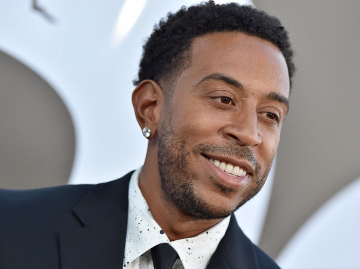 A Stranger Paid $375 Worth Of Groceries For This Woman. Later On, She Realizes It Was Ludacris